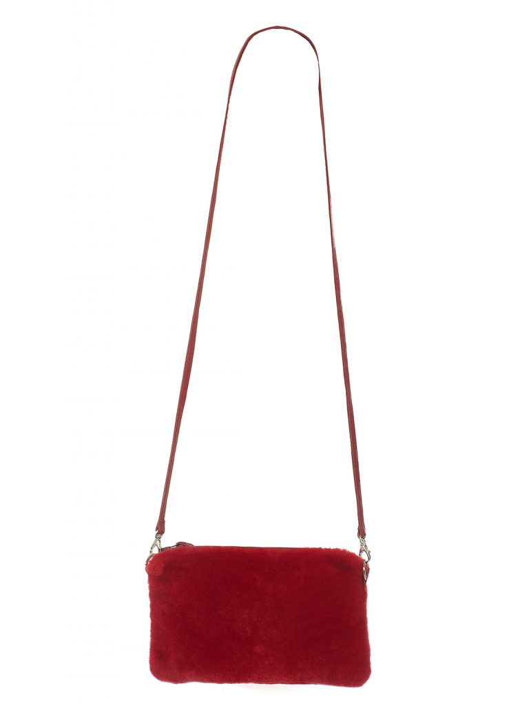 Umhängetasche aus rotfarbenem Shearling