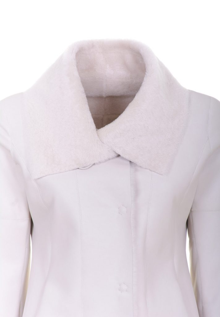 Woman Ivory-coloured shearling coat