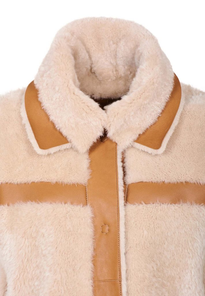 Whisky-coloured shearling coat with beige wool